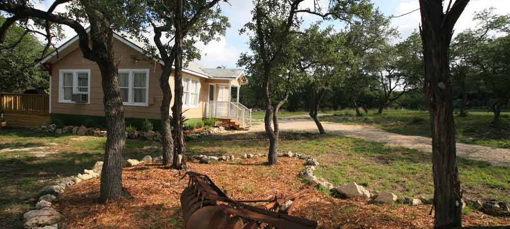 Homestead Cottages: Canyon Lake in Texas Hill Country